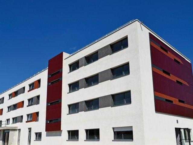 L'hôtel Akena de Besançon est situé dans la zone de l'Echange à Chemaudin-et-Vaux