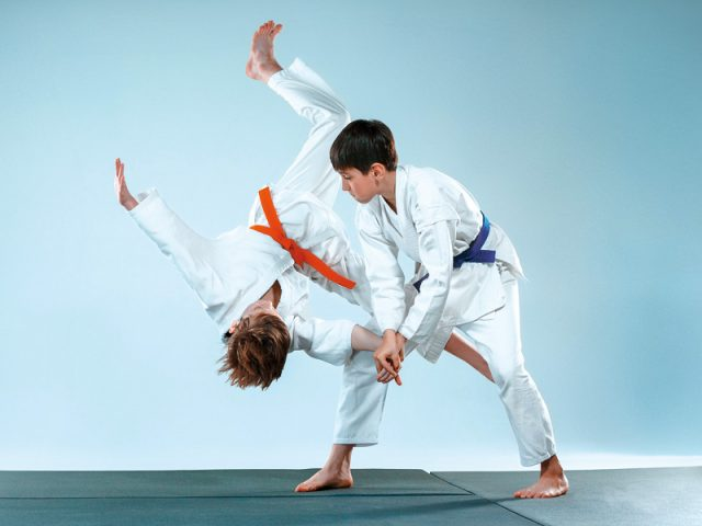 Découvrez les cours de self-défense japonaise spécialement adaptés aux jeunes !